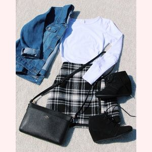 Hollister plaid fitted skirt